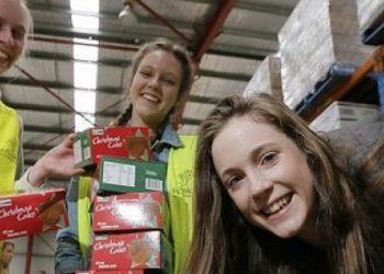 Foodbank-Xmas-volunteers-308vzuyifosktp3jmc2vi8